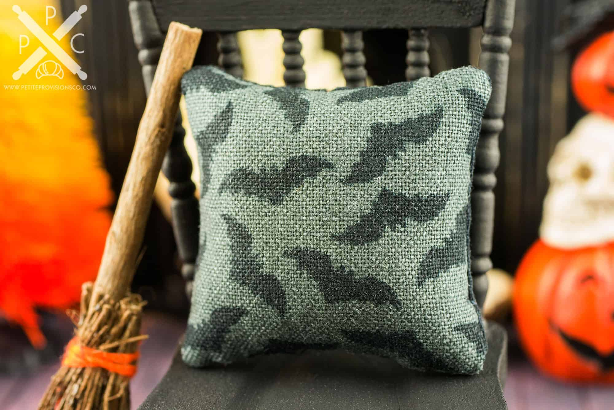 miniature bats halloween pillow - 1:12 dollhouse miniature - the