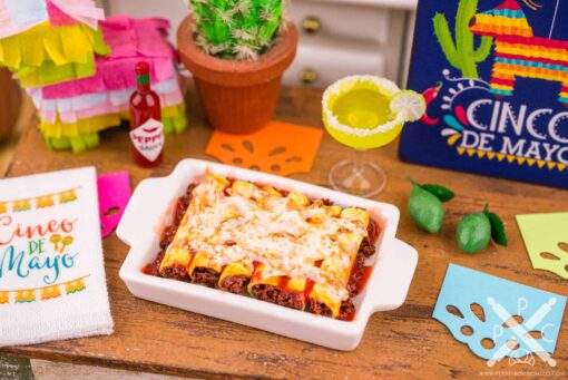 Dollhouse Miniature Beef Enchiladas - Cinco de Mayo - 1:12 Dollhouse Miniature Mexican Food