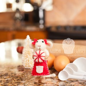 Camille the Candy Maker – Needle Felted Mouse for Christmas with Candy Peppermint Swirl