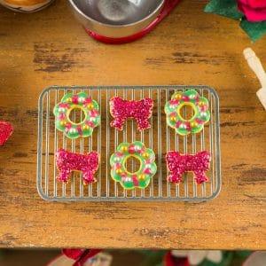 Christmas Bows and Wreaths Cookies – Half Dozen