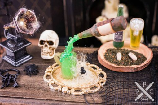 Dollhouse Miniature Floating Magic Witch's Brew Set on Tray