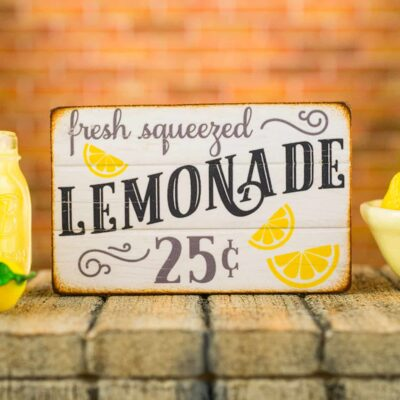 Dollhouse Miniature Fresh Squeezed Lemonade Sign - 1:12 Dollhouse Miniature Sign