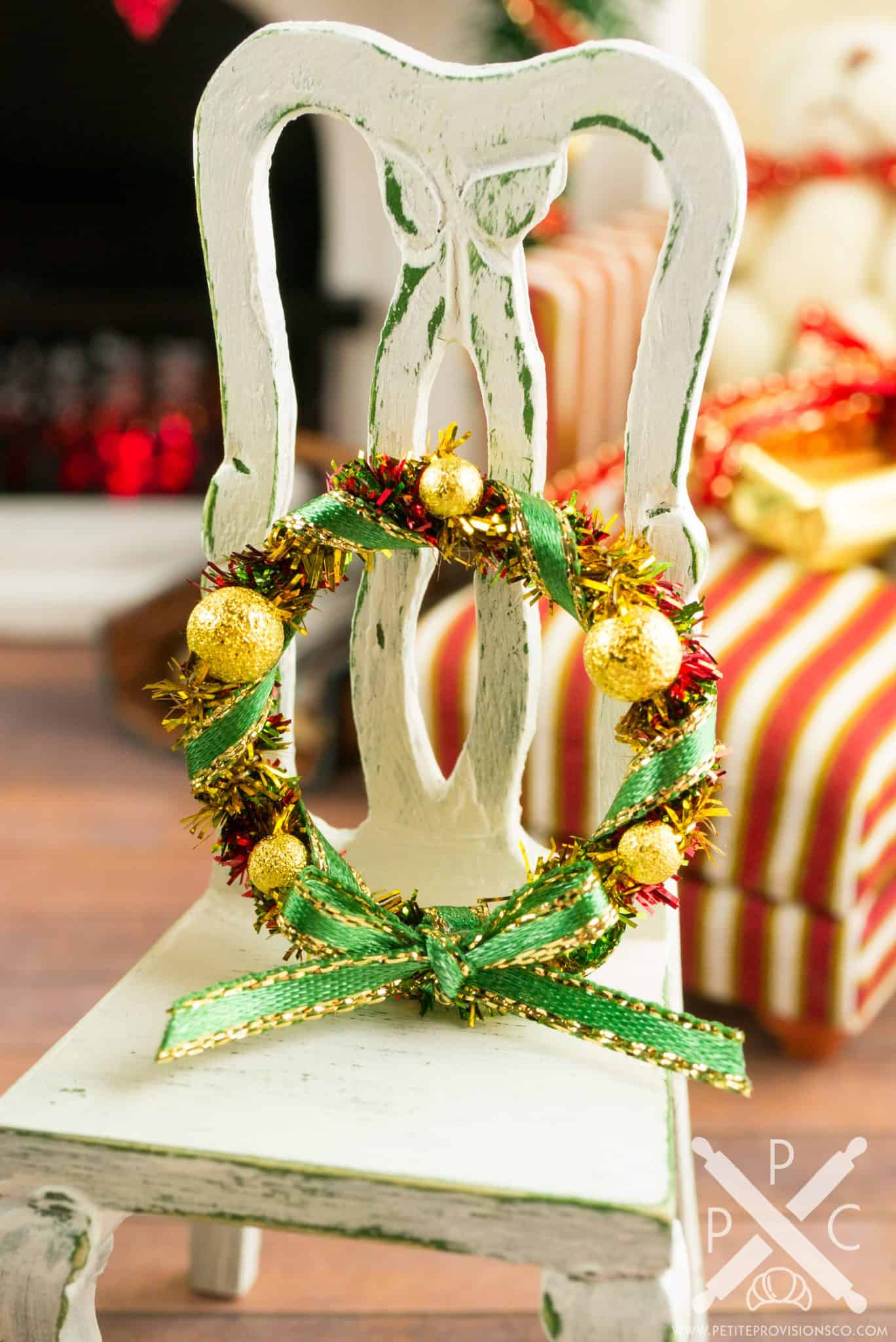 gold green and red christmas wreath