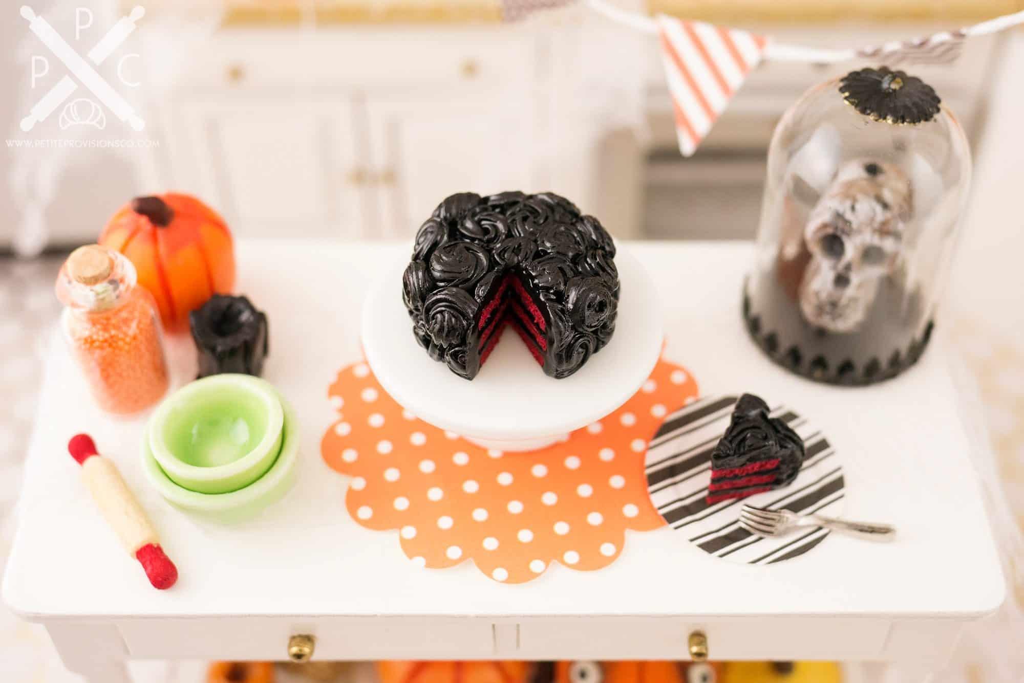 gothic-rose-red-velvet-cake-02