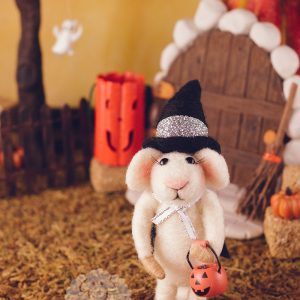 Wanda the Trick or Treat Mouse – Needle Felted Mouse for Halloween