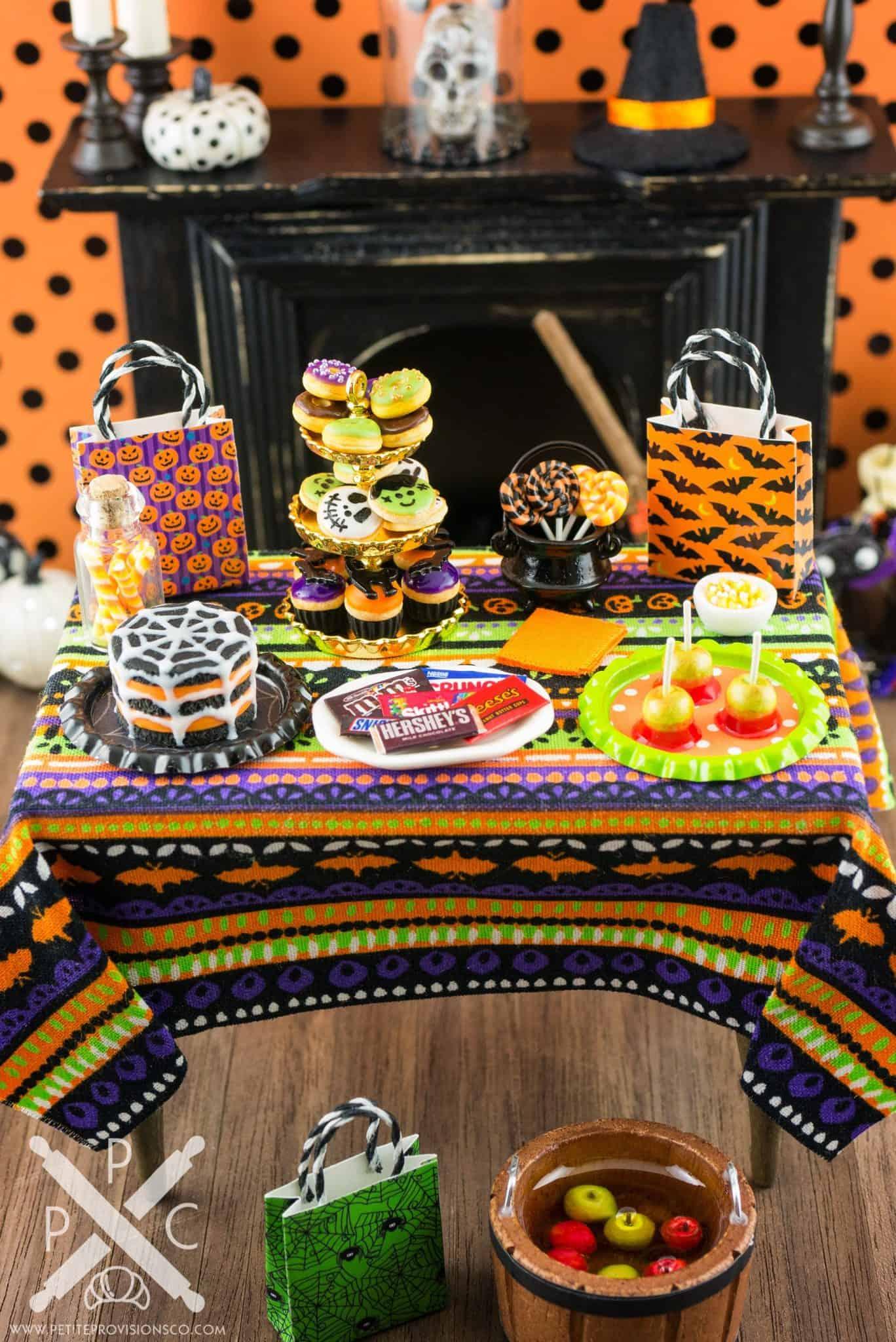 miniature halloween trick or treat table 1 12 dollhouse miniature the petite provisions co. Black Bedroom Furniture Sets. Home Design Ideas