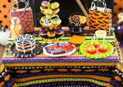 Halloween Trick or Treat Table