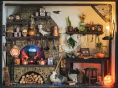 Witch's Kitchen Themed Roombox - Halloween at the Hag's Hearth - HBSMiniatures Halloween Challenge 2020
