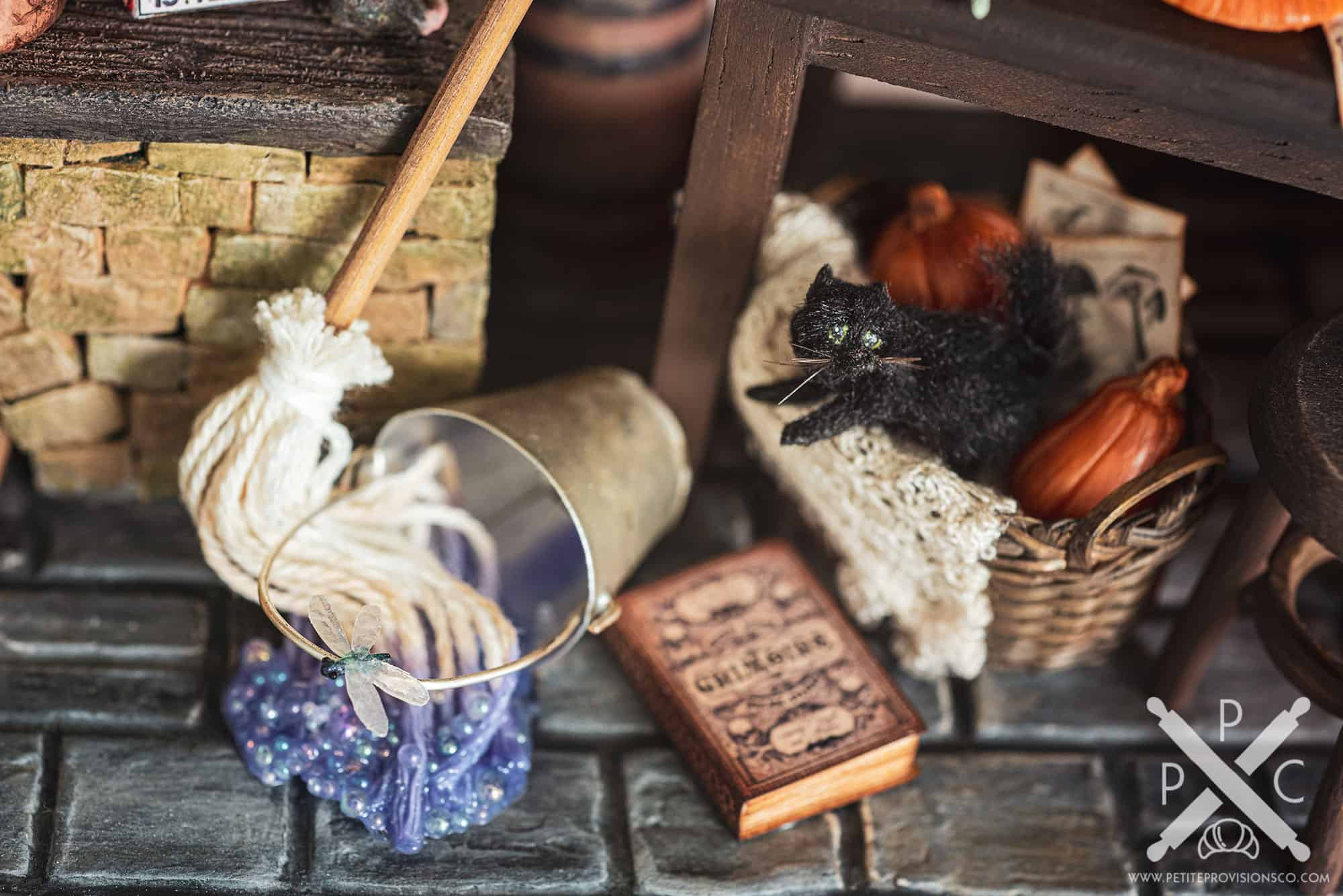 Magical Mop and Black Cat in Witch's Kitchen Themed Roombox - Halloween at the Hag's Hearth - HBSMiniatures Halloween Challenge 2020