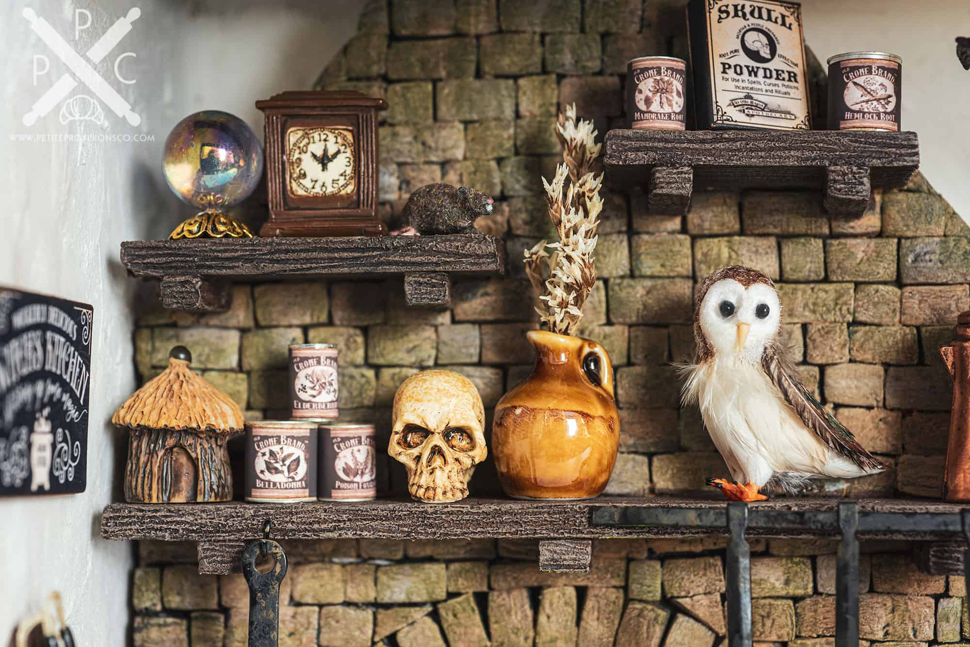 Fireplace Mantle in Witch's Kitchen Themed Roombox - Halloween at the Hag's Hearth - HBSMiniatures Halloween Challenge 2020