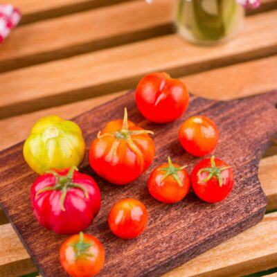 Dollhouse Miniature Gourmet Heirloom Tomato Board - 1:12 Dollhouse Miniature Tomatoes