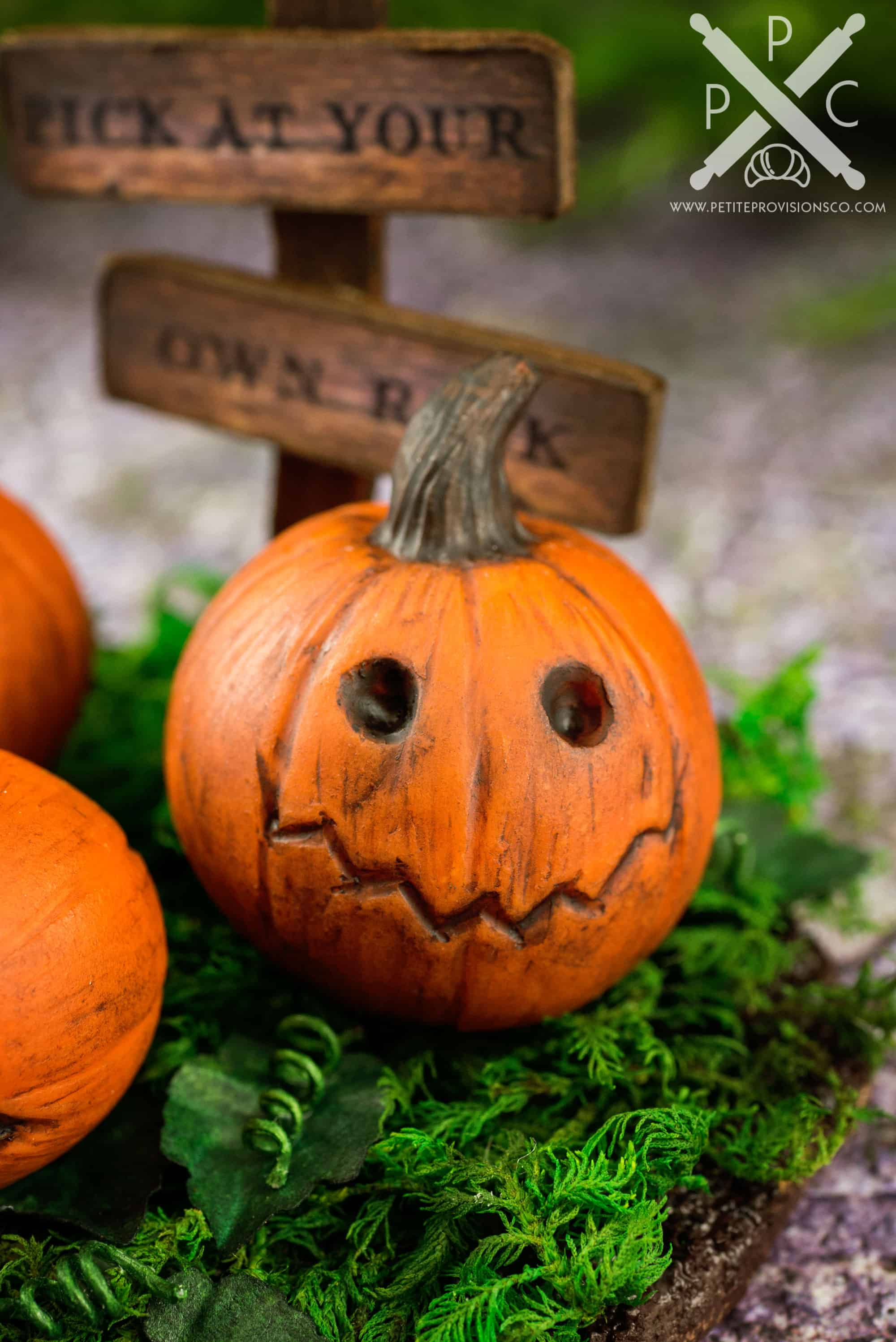 Dollhouse Miniature Halloween Jack-o'-lantern Pumpkin ...