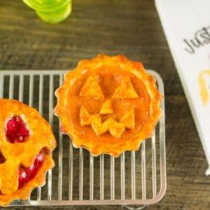 Halloween Jack-o'-lantern Pumpkin Pie