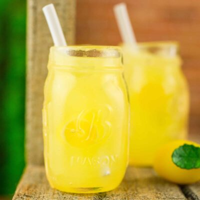 Dollhouse Miniature Lemonade for Two in Mason Jars - 1:12 Dollhouse Miniature Drink Set