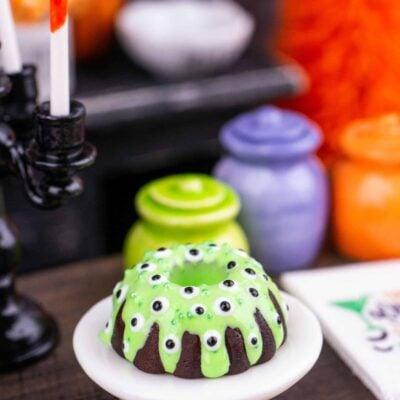 Dollhouse Miniature Halloween Monster Eyes Bundt Cake - 1:12 Dollhouse Miniature - Halloween Miniatures