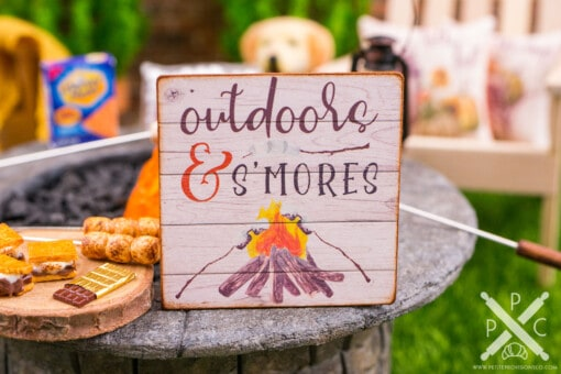 Dollhouse Miniature Outdoors & S'Mores Sign - Decorative Autumn Sign - 1:12 Dollhouse Miniature Decor