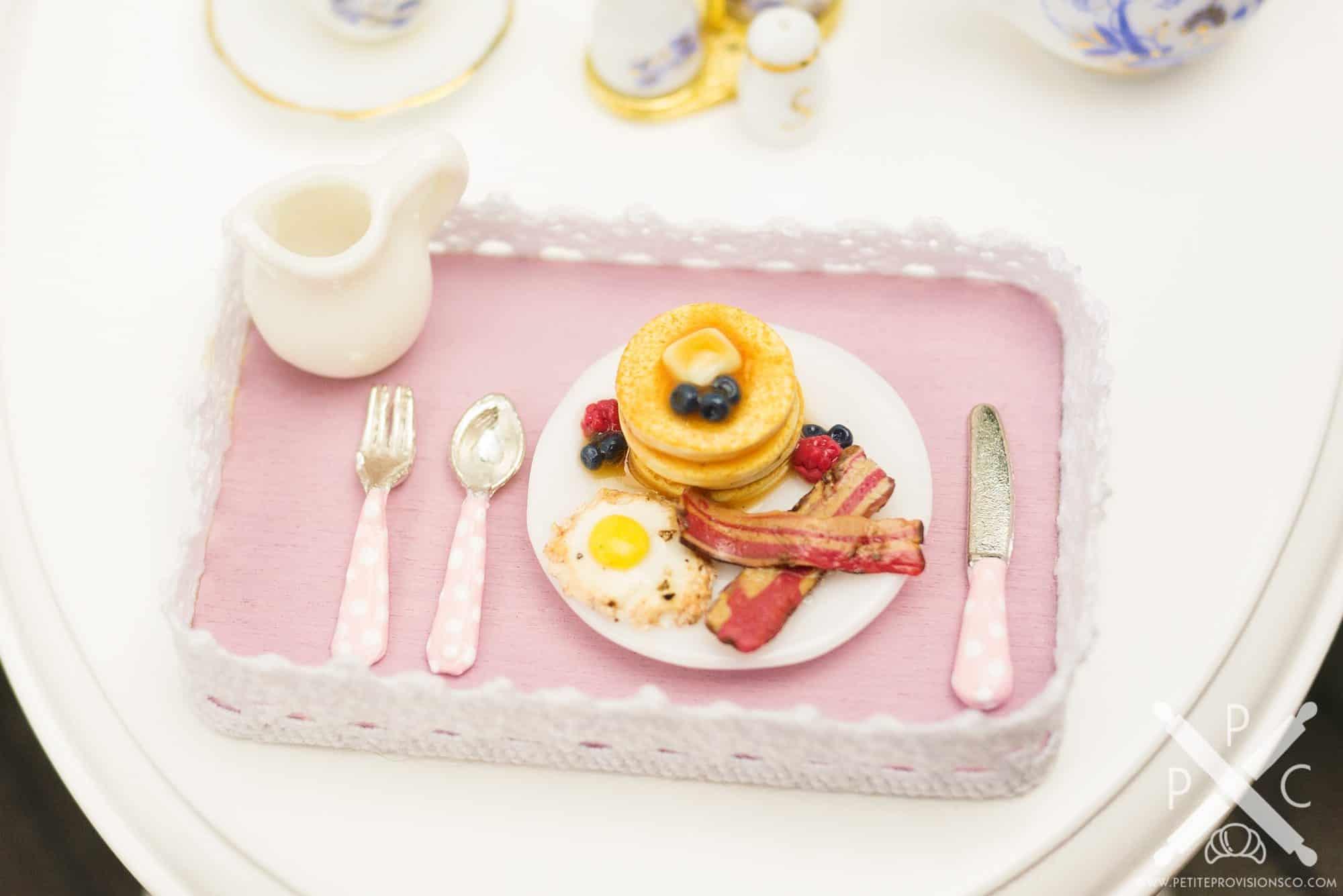 pancake-eggs-bacon-platter-03