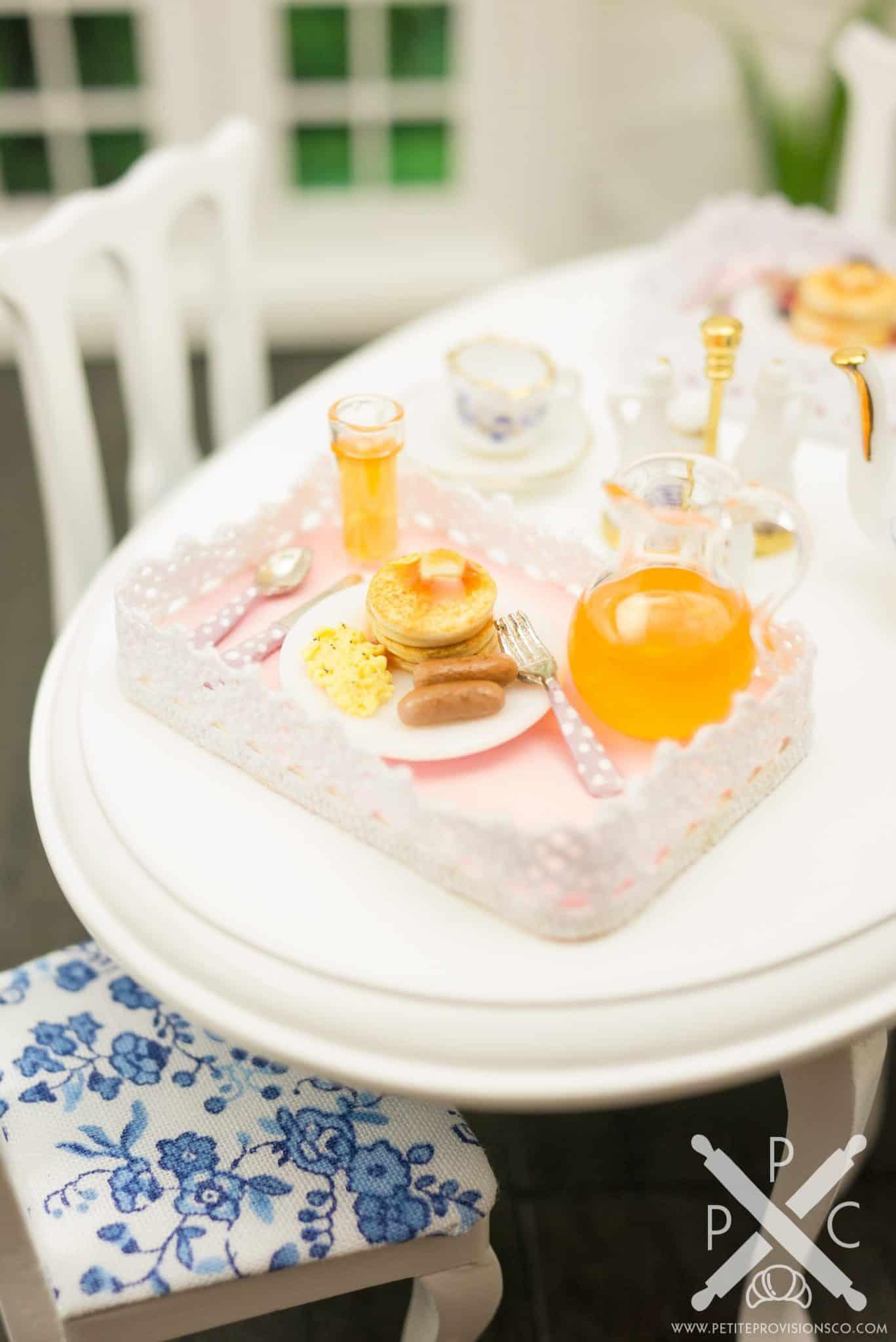 pancake-eggs-sausage-platter-02