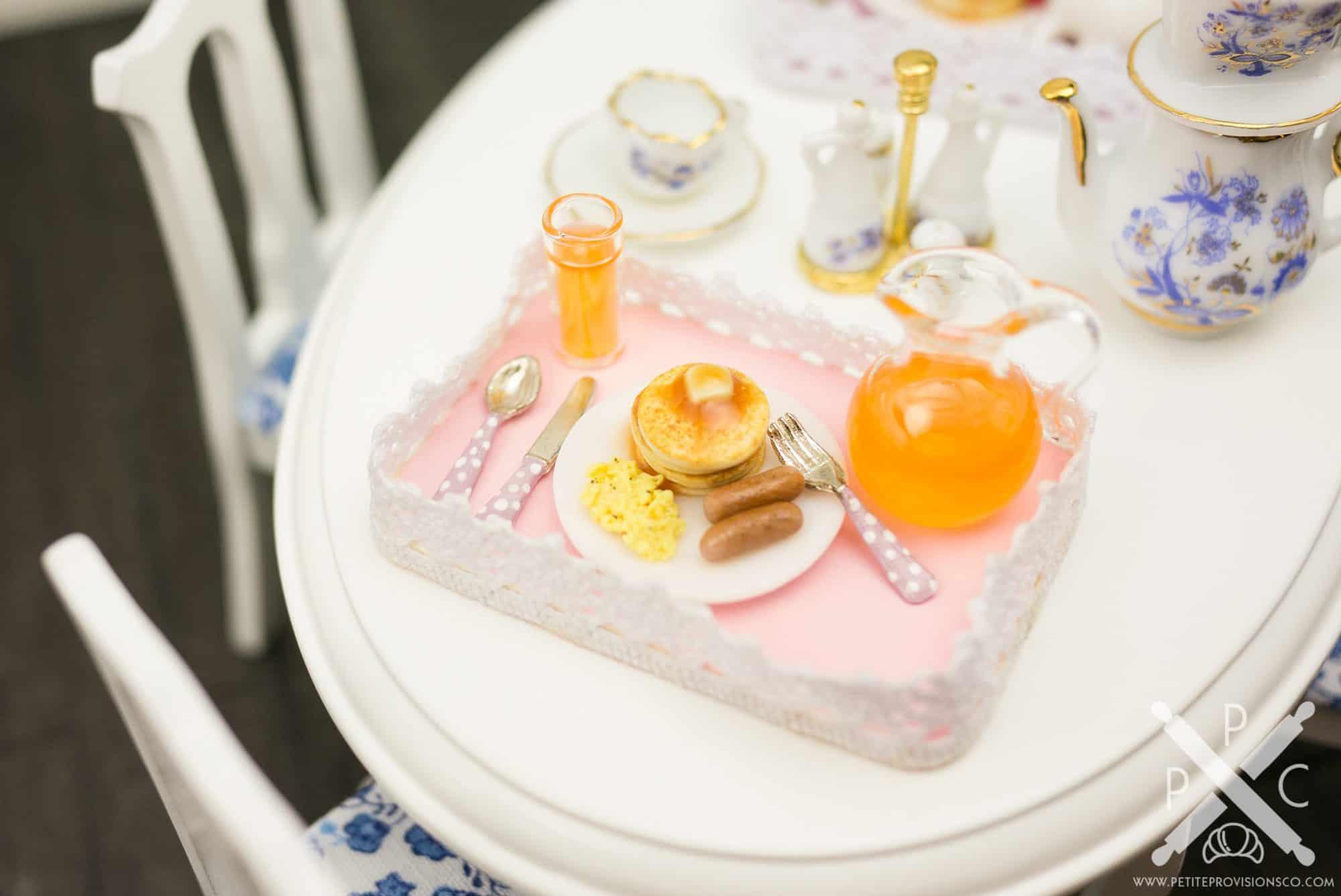 pancake-eggs-sausage-platter-03