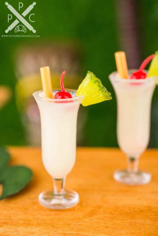 Dollhouse Miniature Piña Coladas for Two - 1:12 Dollhouse Miniature Tropical Cocktail