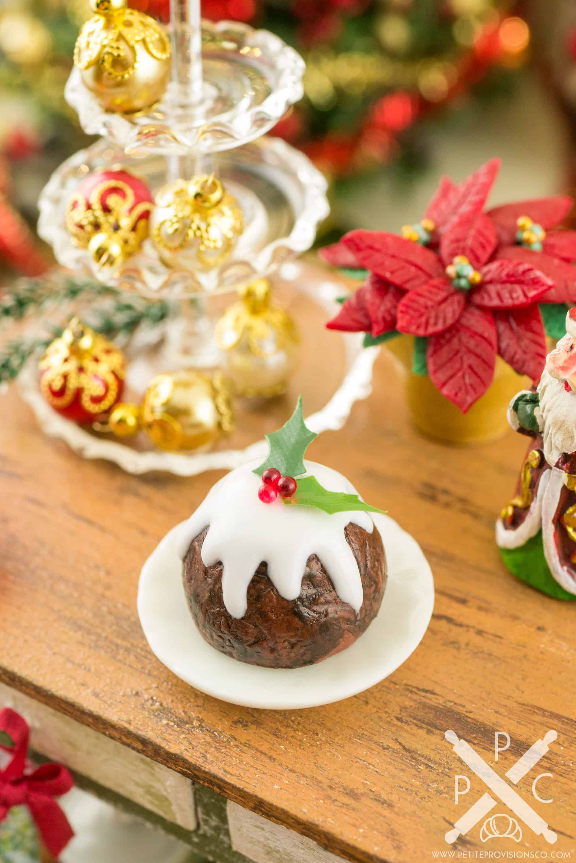 England Christmas Dinner.Christmas Plum Pudding
