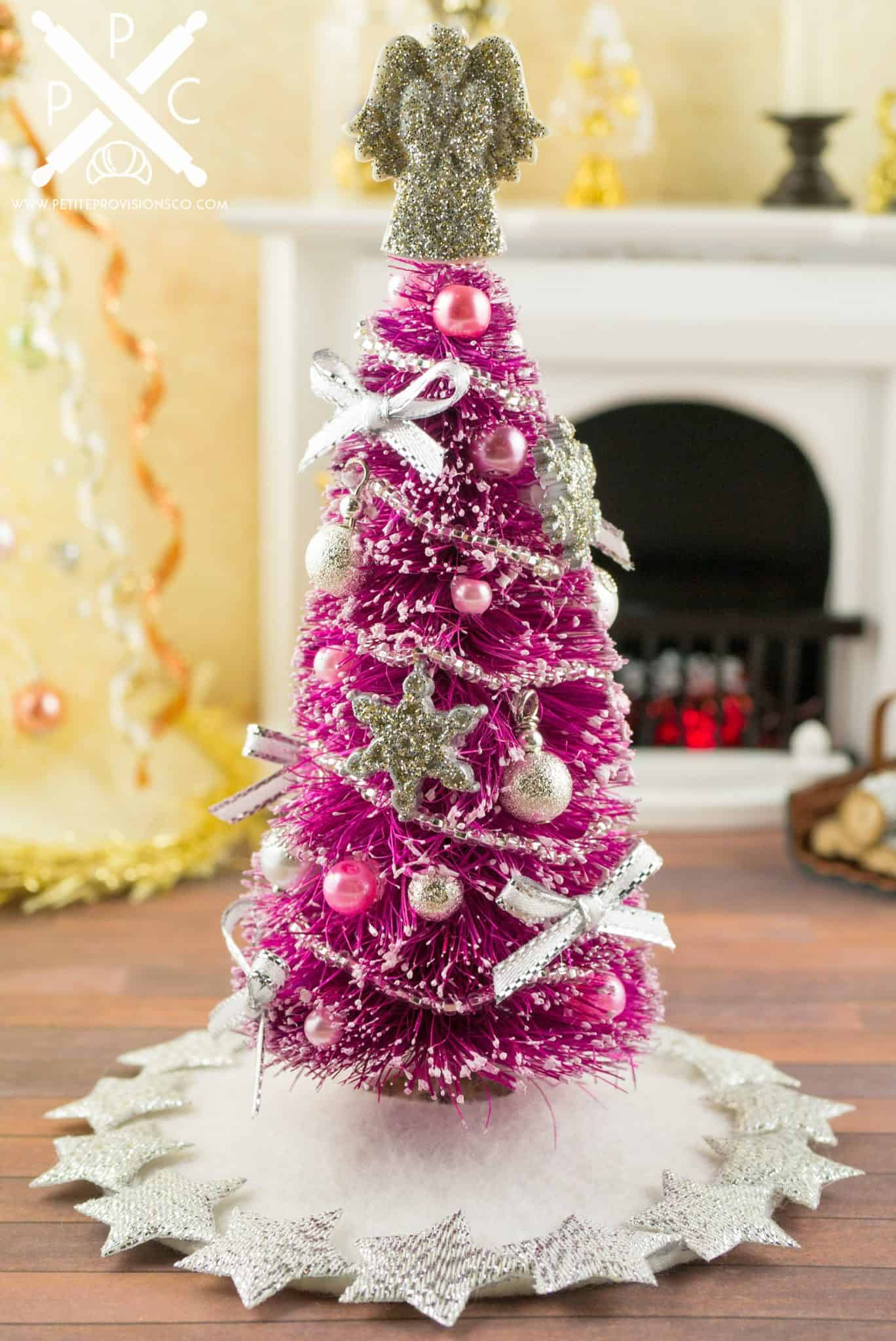 Christmas Dollhouse Miniatures.Pretty In Pink Decorated Christmas Tree