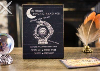 Lady Esmerelda's Psychic Readings Sign