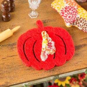 Red Orange Pumpkin Placemat and Cloth Napkin – Set of 4