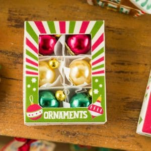 Retro Christmas Ornament Box with Set of 6 Ornaments