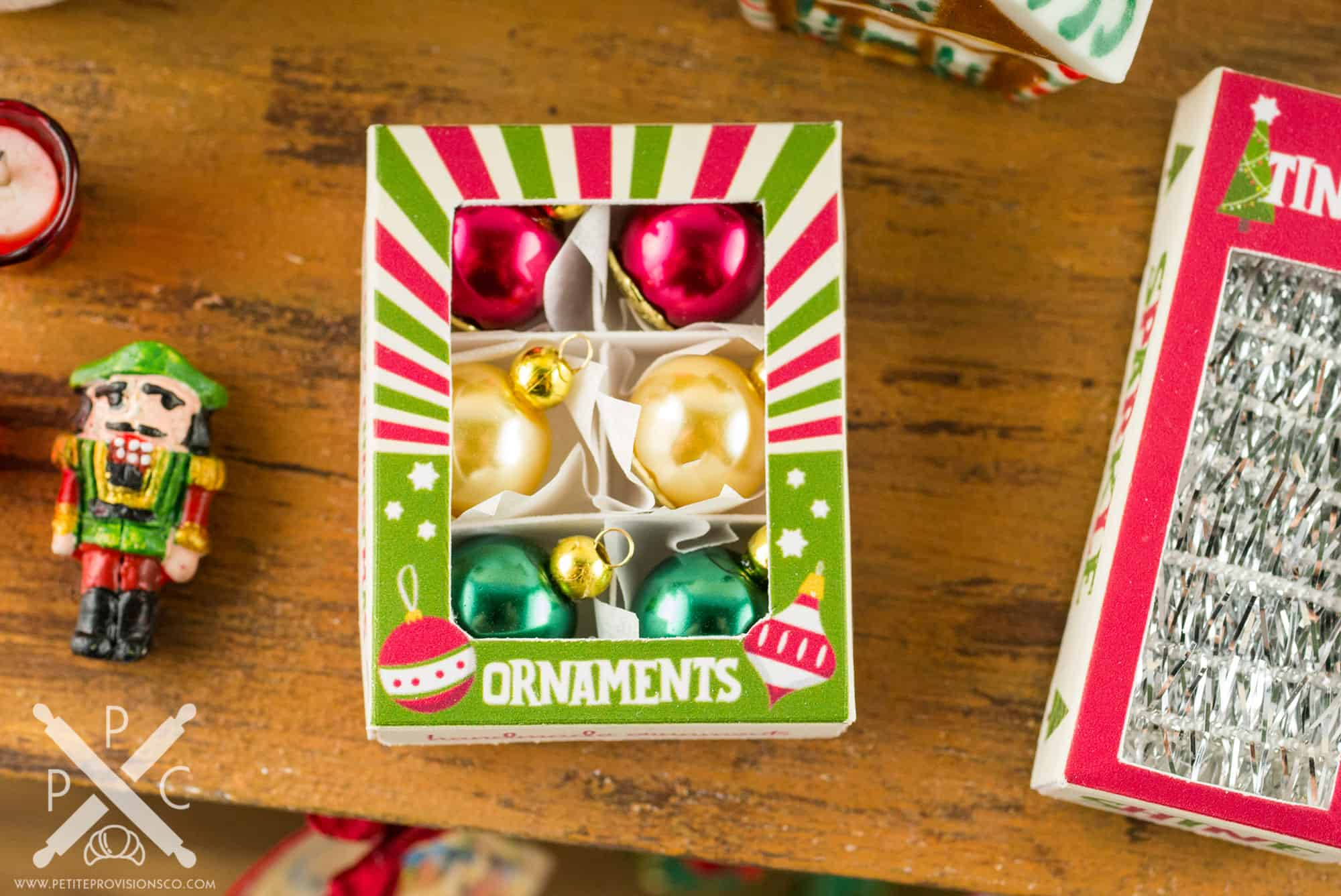 Retro Christmas.Retro Christmas Ornament Box With Set Of 6 Ornaments