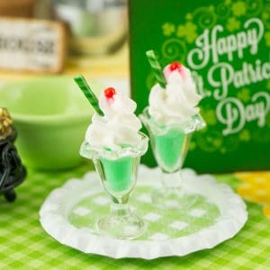 St. Patrick's Day Shamrock Shakes on Tray – 1:12 Dollhouse Miniature
