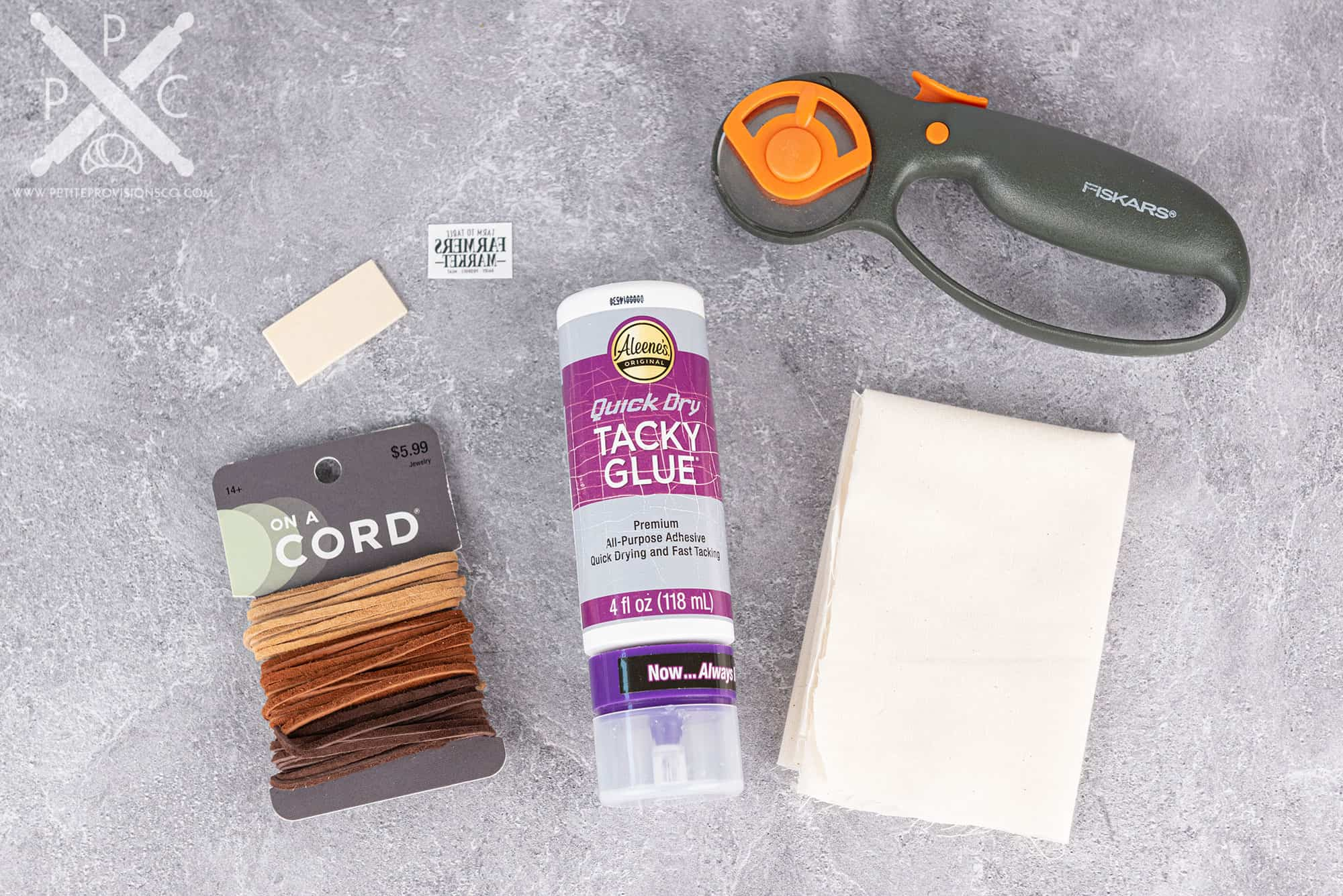 Materials to make miniature no-sew shopping bags