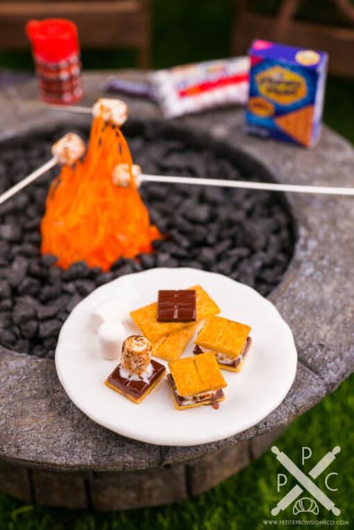 Dollhouse Miniature Autumn S'Mores Platter - 1:12 Dollhouse Miniature S'Mores