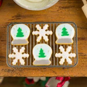 Snow Globes and Snowflakes Cookies – Half Dozen