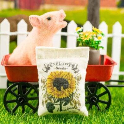 Dollhouse Miniature Sunflower Seeds Bag - 1:12 Dollhouse Miniature Garden Decoration
