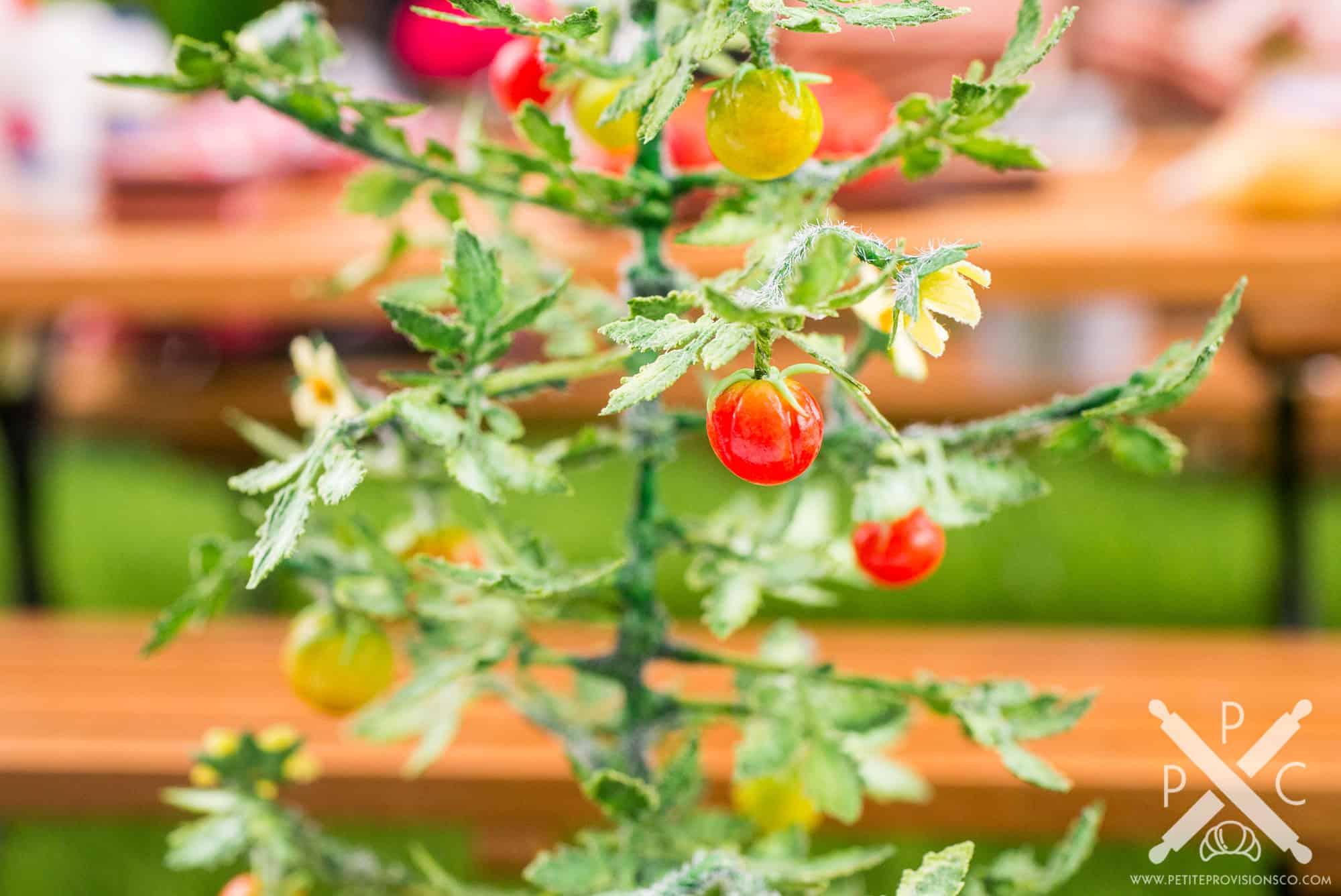 Sculpted miniature tomato plant