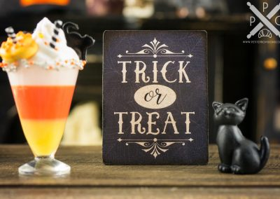 Trick or Treat Sign – Decorative Halloween Sign